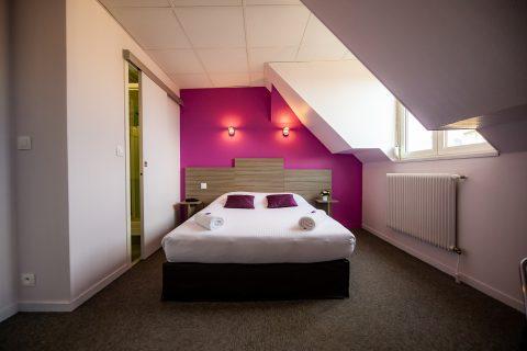 Chambre double violette pour 1 personne