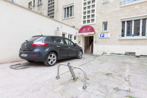 Place parking hotel du chateau caen