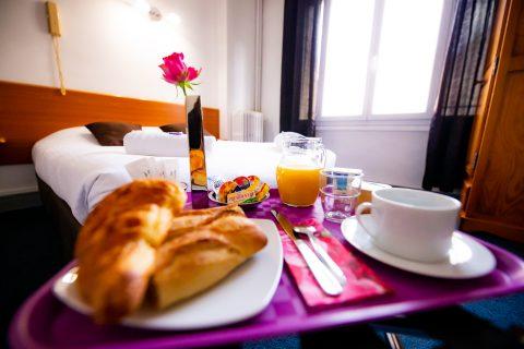 Plateau petit déjeuner servie en chambre