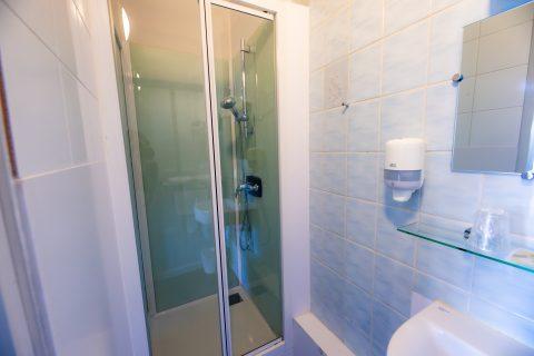 Salle de bain chambre double confort
